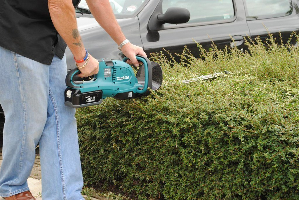Best commercial gas hedge trimmer