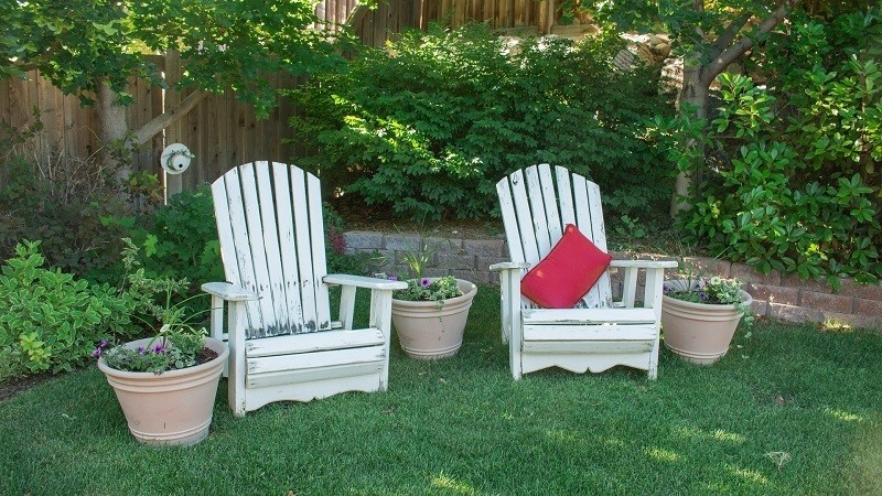 How to clean patio furniture cushion